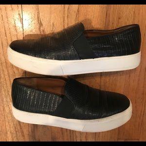 Vince leather slip on sneaker